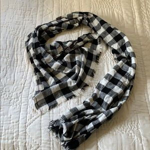 Plaid black and white lightweight Madewell scarf